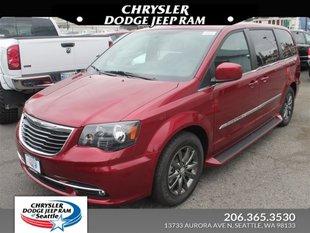 2016 Chrysler Town U0026 Country S Wagon